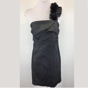 Alyn Paige gray shimmer gray cocktail dress